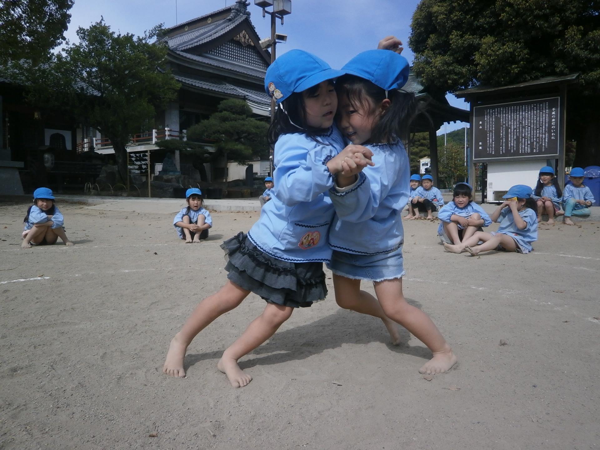 お相撲大会の練習を行いました。